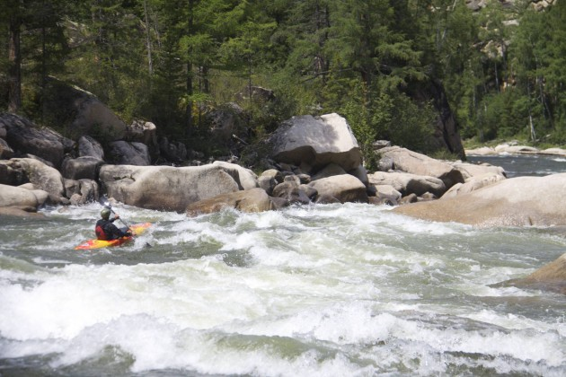 Kayaking the Melzeysky Cascade on Siberia's Kaa-Khem River